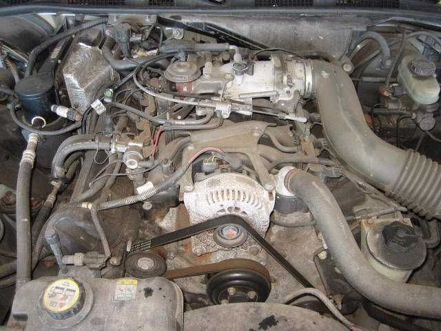 Used 2001 Lincoln Town Car Engine Accessories Exhaust Manifold L
