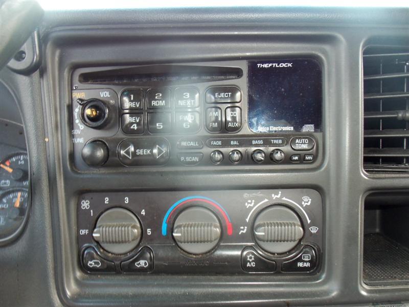 2002 chevrolet truck suburban 2500 doors 128 side view for Paradise motors elkton md