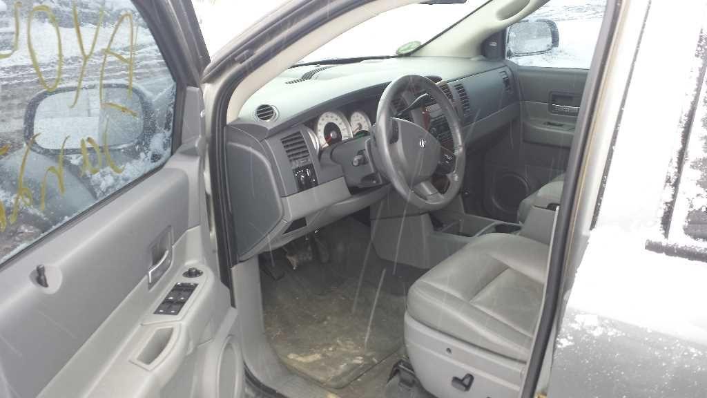 2006 Dodge Truck Durango Interior 210 Front Seat Belts 210 01575
