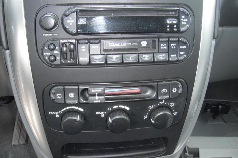 2005 dodge truck caravan entertainment radio audio recvr  sat |  638 4d,MAR,9/06