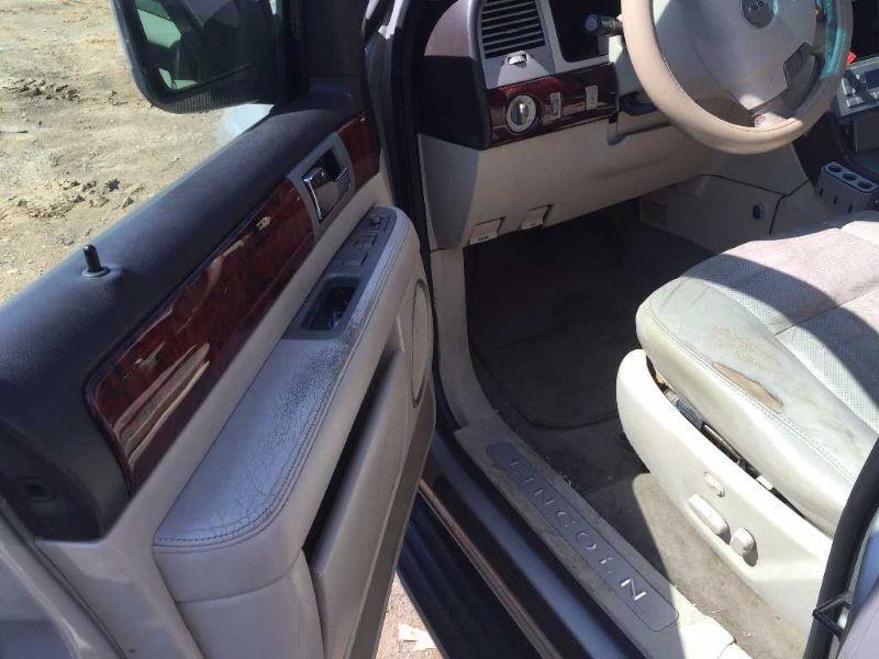 Used 2003 Lincoln Navigator Interior Navigator Speedometer Head C