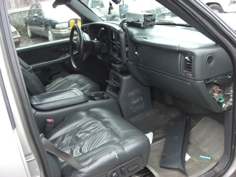 2002 chevrolet truck suburban 2500 interior 210 front seat belts for Chevrolet suburban interior parts