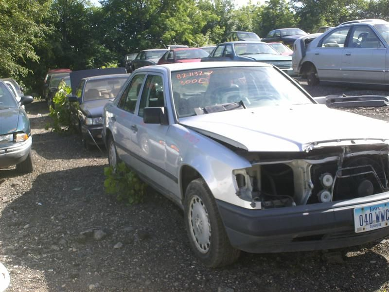 Used 1987 mercedes benz mercedes 300e glass and mirrors for Mercedes benz 300e parts