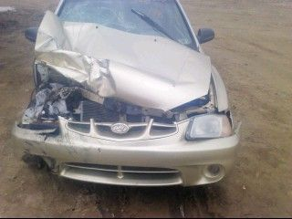 2000 hyundai accent engine accent engine assembly 300 TIMING CVR CRACKED, NO TEST, 90K